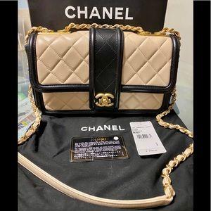 💯 Authentic Chanel Handbag